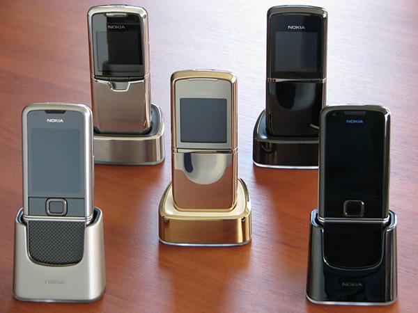 Телефоны Нокиа 8800 серии можно было выбрать на любой вкус и цвет
