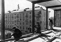 Дешевизна строительства легких панельных и блочных пятиэтажек компенсировалась огромными затратами на их отопление