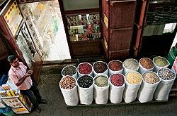 В Дубае можно купить практически все: специи, когда-то ценившиеся европейцами на вес золота...