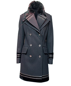Пальто из шерсти, Gucci. Воротник из меха бобра (Gucci, 43 318 руб.)