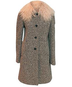 Пальто из шерсти, Miu Miu. Воротник из овчины (ЦУМ, 33 950 руб.)