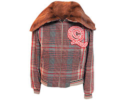 Куртка из шерсти, Alexander McQueen. Воротник из меха куницы (ЦУМ, 69 950 руб.)