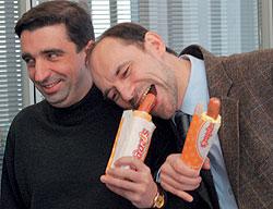 Сергей Федотов и Сергей Рак уверены, что будущее рынка стрит-фуда — за сетями.