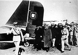За сухопутную помощь Франко Гитлер сделал Салазару воздушный подарок
