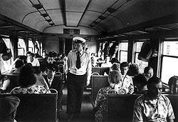 Летящие вперед паровоз и вагоны советским властям приходилось постоянно очищать от антиобщественных элементов