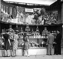 Широкие слои русской и советской общественности могли близко познакомиться с качественными токайскими винами во время выставок и войн
