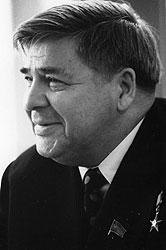 Министр рыбной промышленности Александр Ишков, заподозренный в темных делах, все-таки сумел сохранить светлый образ в глазах советского правосудия