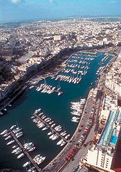 С высоты птичьего полета остров Мальта виден почти целиком