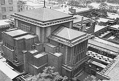 """Отель """"Империал"""", построенный Ллойдом Райтом в Токио, выдержал не только критику, но и мощнейшее землетрясение 1923 года"""