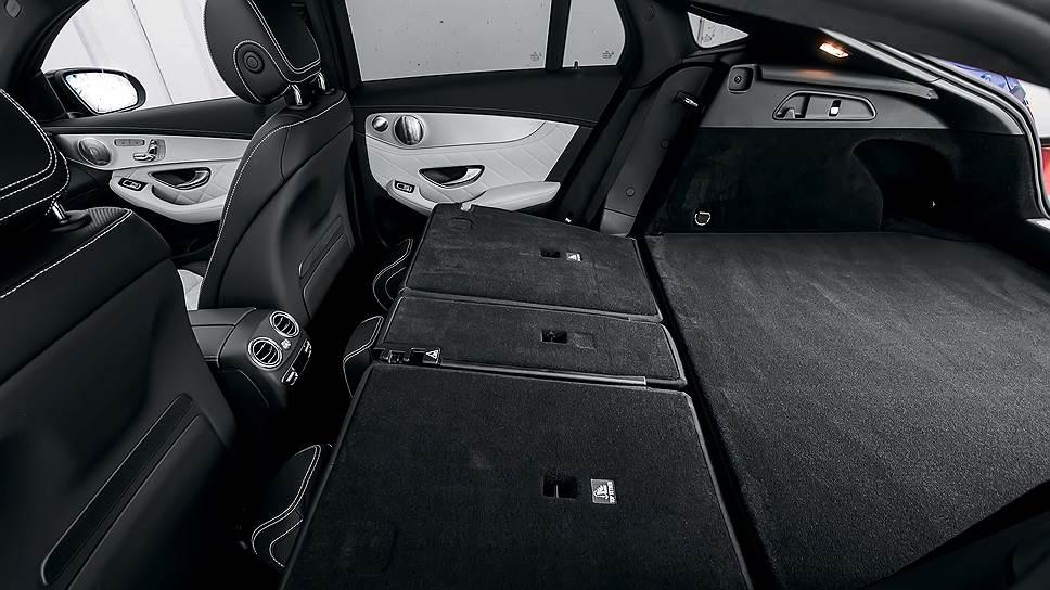 Объем багажного отделения новинки всего лишь 491л, но при необходимости его можно увеличить до 1205л. При этом в сложенном состоянии спинка заднего дивана образует ровный пол.