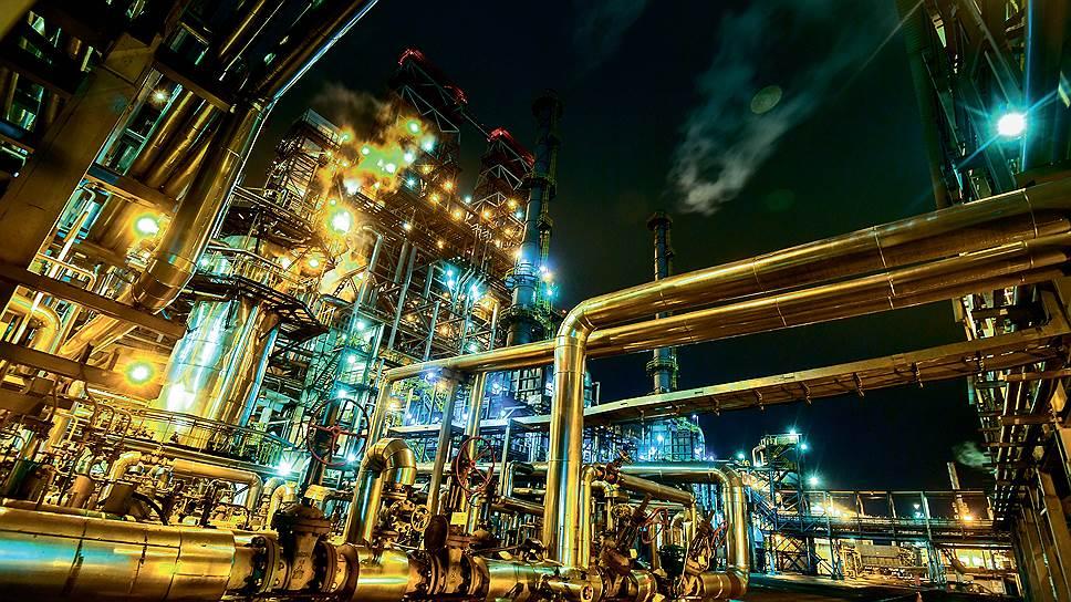 Из чего в России складывается стоимость бензина