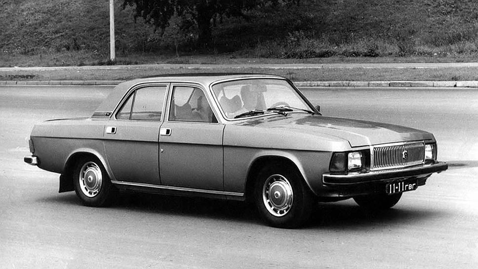 ГАЗ-3102 создавали старым проверенным способом — не очень серьезными изменениями в конструкции ГАЗ-24, но с обязательным обновлением передней и задней части, а также дверных ручек и колесных колпаков. Внутри полностью новым стал салон. Двигатель получил форкамерно-факельное зажигание, а на передних колесах появились дисковые тормоза