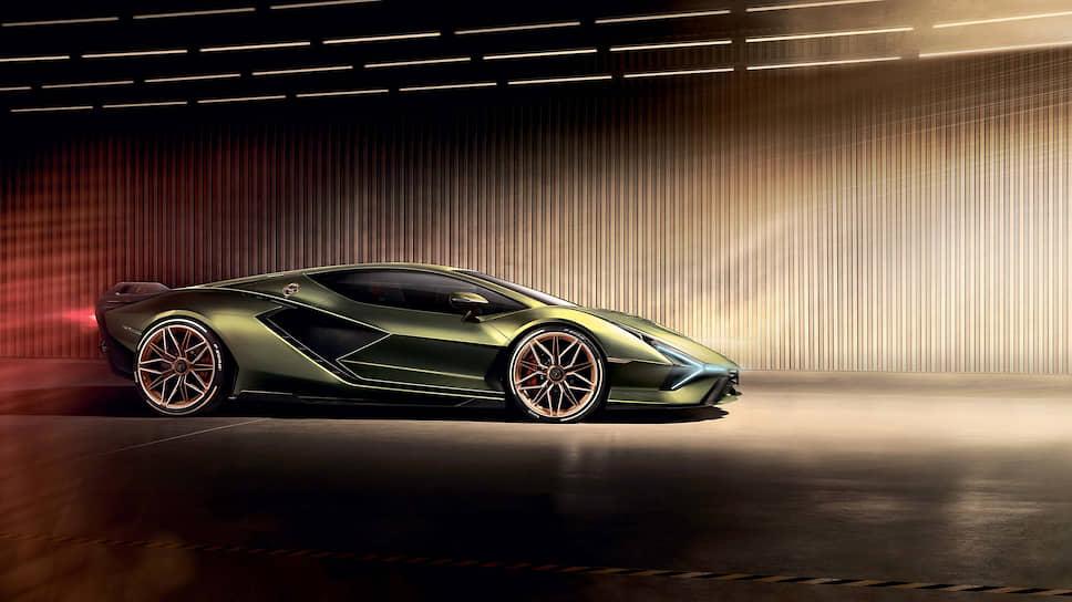 Двух одинаковых Siаn мы не увидим. Компания уже подготовила массу эксклюзивных конфигураторов совместно со студиями Lamborghini Centro Stile и Ad Personam.