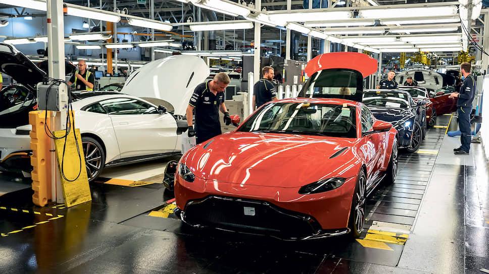 Сегодня на заводе в Гейдоне выпускают Aston Martin DB11, DBC, кабриолеты обеих версий – они идут под именем Volante – и Vantage. Для кроссовера DBX построили новый завод с нуля. Гиперкары Valkyrie и Valhalla тоже собирают в другом месте.