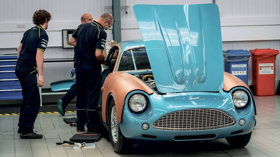 Aston Martin DB4 Zagato 1960 года – абсолютно культовый автомобиль, стоимость которого сегодня составляет несколько миллионов фунтов стерлингов. Если, конечно, он в хорошем состоянии. Но на заводе в Ньюпорт-Пагнелле вам даже полностью убитую машину доведут до состояния конфетки.