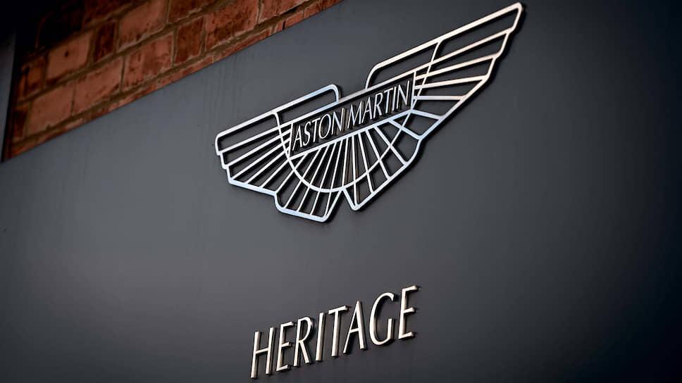Aston Martin как за пределами Великобритании, так и внутри страны ассоциируется главным образом с агентом 007. Вот жалко только, что в лондонском Музее кино в экспозиции про Джеймса Бонда практически не представлены девушки, которых любил – по крайней мере, пересекался по роду деятельности – сотрудник спецслужб.