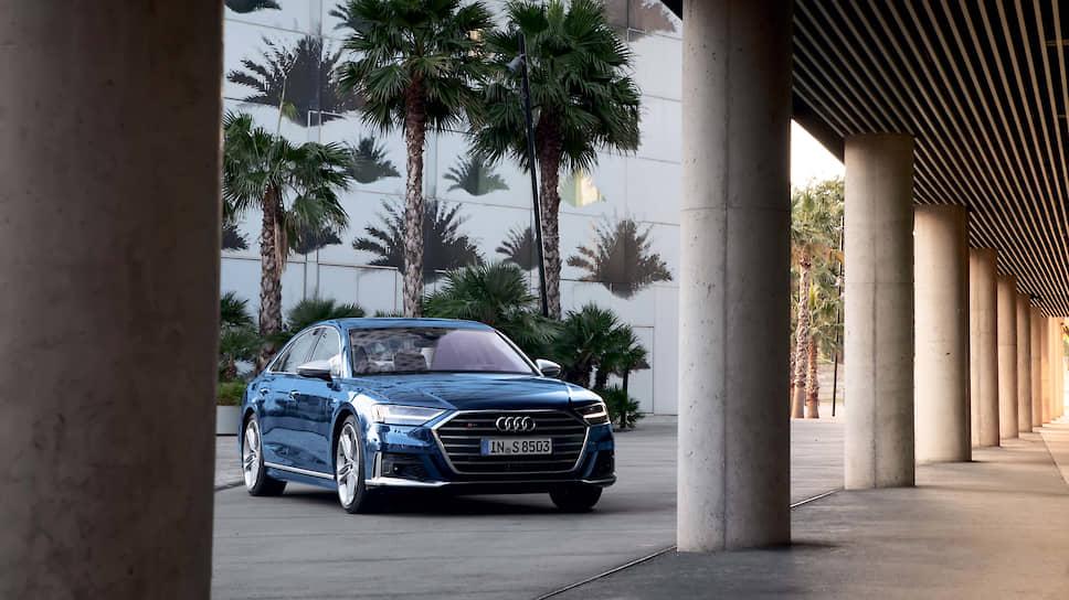 Audi Drive Select с дополнительным пятым режимом позволяет водителю нового S8 получать от своего автомобиля и комфорт роскошного седана, и невероятную динамику спорткара.