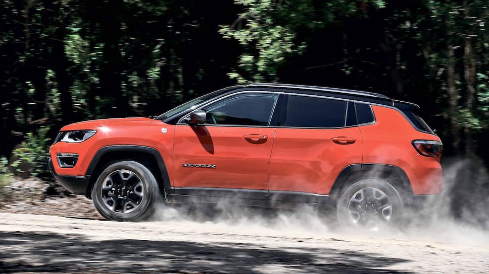 Jeep Compass: даже если вы остановите свой выбор на самом компактном и доступном по цене Jeep Compass, то получите машину с полноценным пятиместным салоном, гарантированным маркой Jeep уровнем комфорта, мощным двигателем и, конечно же, легендарной системой полного привода. Все машины, которые приедут к вам по подписке, не будут иметь на бортах каких-то специальных стикеров. Даже внешне это будет только ваш «Джип». Ваш ровно на столько, на сколько он вам необходим.