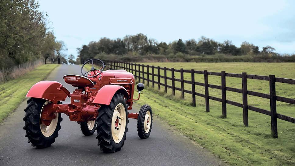 Красные трактора от Порше – неплохое вложение денег. Этот Porsche-Diesel Junior 108L, изготовленный в 1960 году, пару лет назад был продан на аукционе за 44800 долларов. В будущем трактор будет только расти в цене, причем не хуже, чем старинные автомобили марки Porsche.