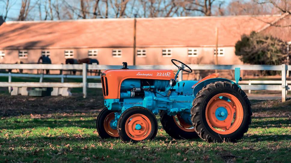 Lamborghini 2241R – самый маленький трактор в модельном ряду Lamborghini Trattori в 1960 году. Прежнее обозначение модели DL20, выбитое на подкапотной табличке, относилось к ранней системе индексации. Эта модель также называлась уменьшительным именем Lamborghinetta.