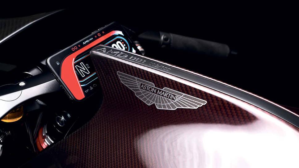 Предполагается построить всего сто экземпляров спортбайка AMB 001. В продажу мотоцикл должен поступить в конце года, но цена известна уже сейчас – она составляет 108 тыс. евро, включая НДС.