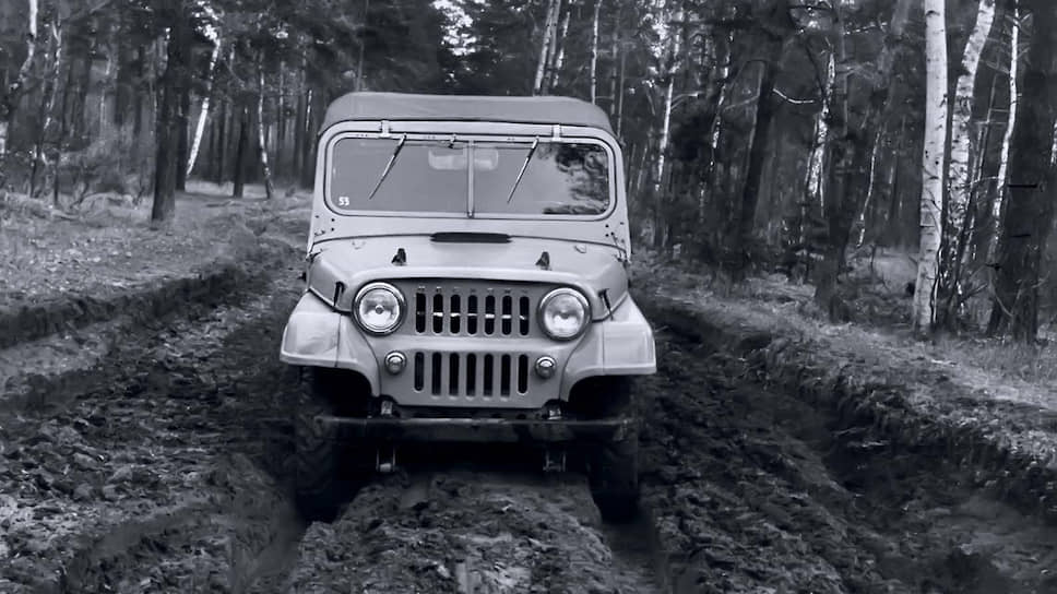 Весной 1959 года построили два опытных экземпляра 415-го с металлическими дверцами, «двухэтажной» облицовкой радиатора и надписью «Москвич» на решетке. Оба также испытывались на армейском полигоне в Бронницах.