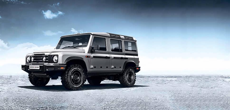 Под капотом Grenadier компания Ineos Automotive планирует помещать двигатели BMW – дефорсированные для большей надежности и увеличения ресурса рядными «шестерками» объемом 3,0 литра, как бензиновыми, так и дизельными. В тандеме с каждым из двигателей будет работать восьмиступенчатый гидромеханический «автомат» ZF. Ориентировочная цена автомобиля – 30–45 тысяч фунтов стерлингов.