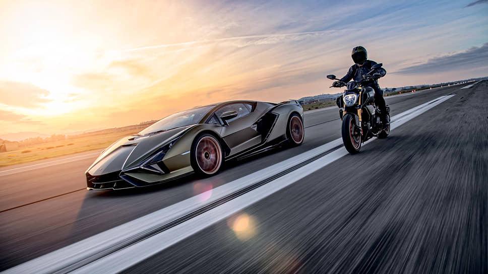 Sian FKP 37, вдохновивший творцов Ducati Diavel 1260 Lamborghini – первый суперспорткар, оснащенный двигателем V12 с гибридной технологией на основе суперконденсаторов. Sian на болонском диалекте значит «молния» – автомобиль развивает скорость свыше 350 км/ч.