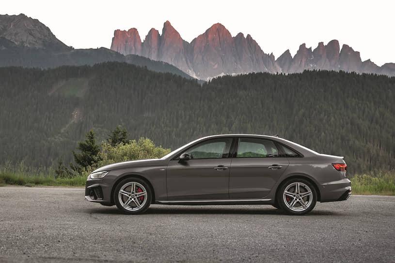 Вид в профиль хорошо демонстрирует в экстерьере обновленного седана Audi A4 классические элементы дизайна quattro: широкие колесные арки, характерные накладки порогов, легкосплавные частично полированные десятиспицевые диски Dynamic диаметром 18 дюймов. Спорт, престиж, яркие эмоции, гармоничные пропорции.