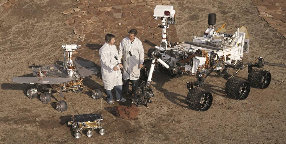 С каждым поколением росли размеры марсоходов: если Sojourner весили чуть больше 10 кг, то Spirit уже около 180, Curiosity почти 900 кг, а Perseverance – больше тонны.
