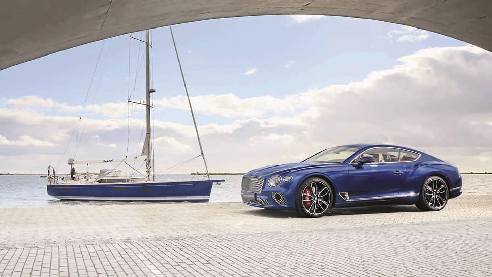 Корпус построенной на голландской верфи яхты выполнен в том же глубоком синем цвете, что и кузов автомобиля, – это особенно подчеркивает их принадлежность к эксклюзивному проекту.