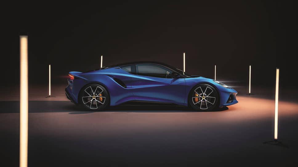 Серийный выпуск Lotus Emira, который составит прямую конкуренцию Porsche Cayman, наладят в Норфолке в 2022 году.