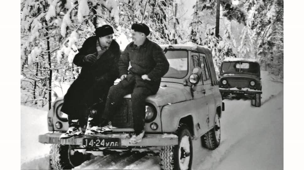 Романтика первых заводских испытаний или экспедиций вызывает белую зависть. География перемещений на опытных автомобилях была широчайшая – от Душанбе до Грозного, от пустыни до северов. А серийный 469 и вовсе объездил весь мир