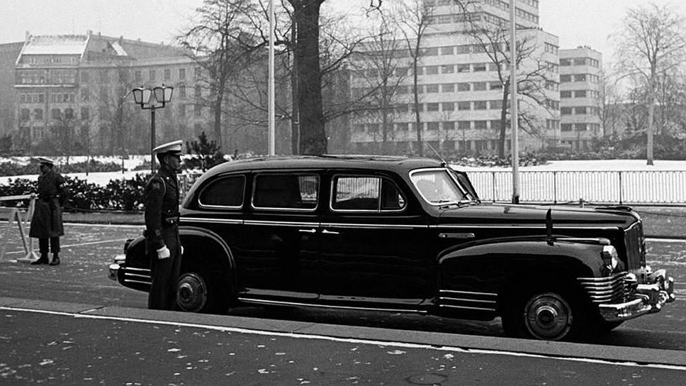 ЗИС-115 в Берлине во время встречи четырех министров иностранных дел, прошедшей с 25 января по 18 февраля 1954 года