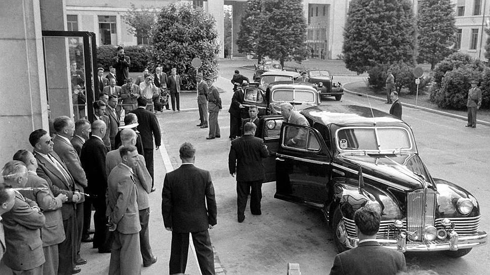 ЗИС-115 в Женеве. Председатель Совета министров СССР Николай Александрович Булганин прибыл на переговоры в Женеве на броневике