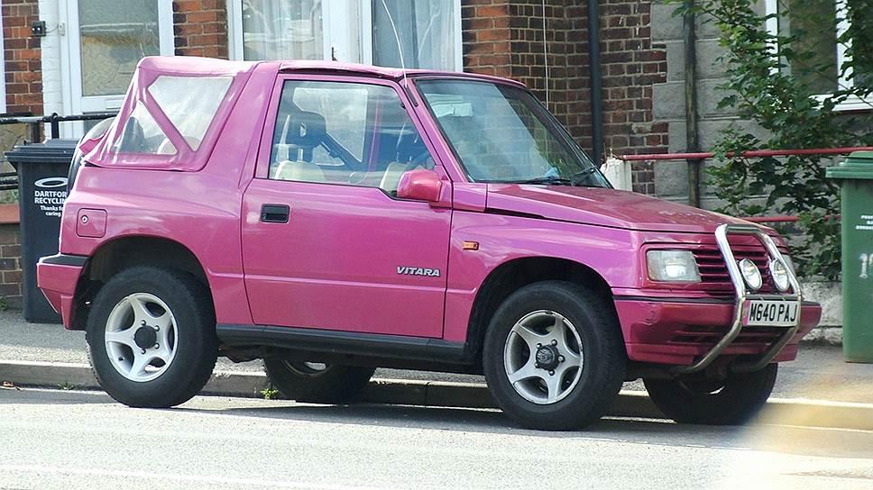В 1993 году сделали 250 автомобилей лимитированной серии Vitara Rossini с кузовом розового цвета. Их раскупили очень быстро, несмотря на сразу появившееся прозвище «джип для Барби». Некоторые экземпляры бегают до сих пор.