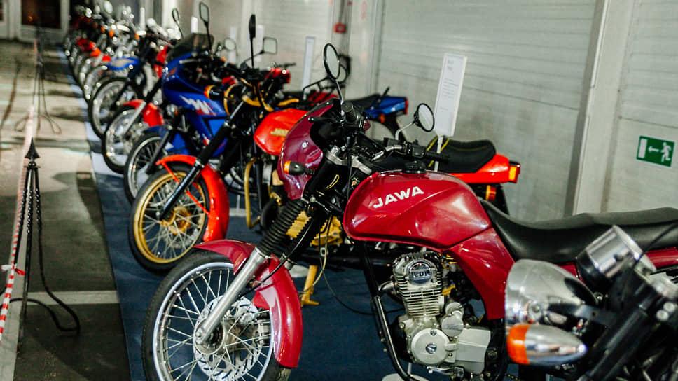 На выставке представлены более 50 мотоциклов марки Jawa, в том числе и такие редкие для нашей страны модели как Jawa-350 Choper, Jawa-350 Tramp, Jawa-650 Classic