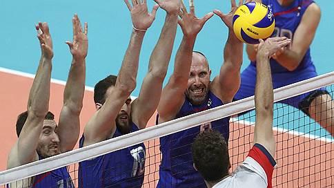 Волейболисты потренировались побеждать  / Подопечные Владимира Алекно в тяжелейшем матче одолели поляков