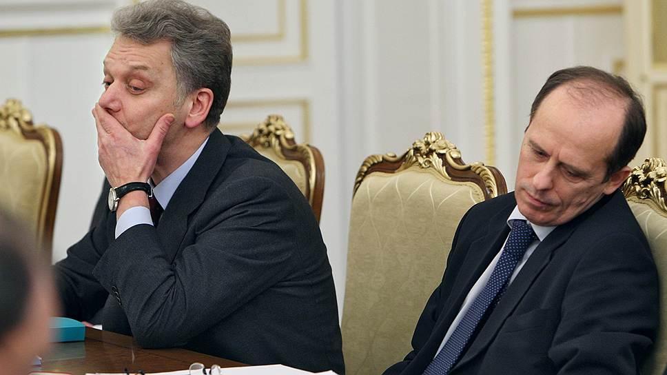 Директор ФСБ Александр Бортников (справа) на заседании правительства России по инвестициям, 2009 год