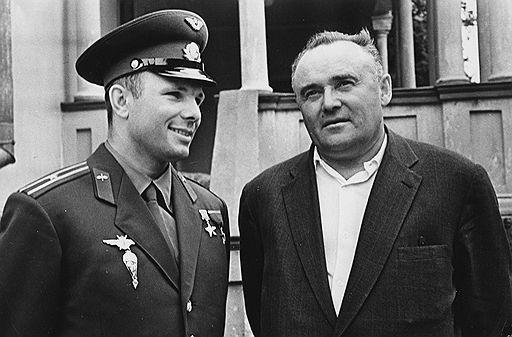 Юрий Гагарин и Сергей Королев
