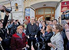 Олег Шеин (в центре)