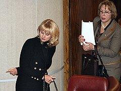 Татьяна Голикова (слева) и Вероника Скворцова (справа)