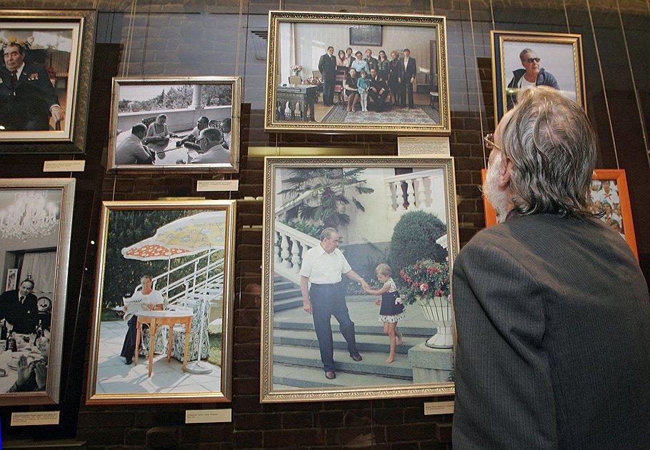 Выставка работ специального корреспондента ИТАР-ТАСС В.Г. Мусаэльяна к 100-летию Л.И. Брежнева, которая открылась в Государственном историческом музее.