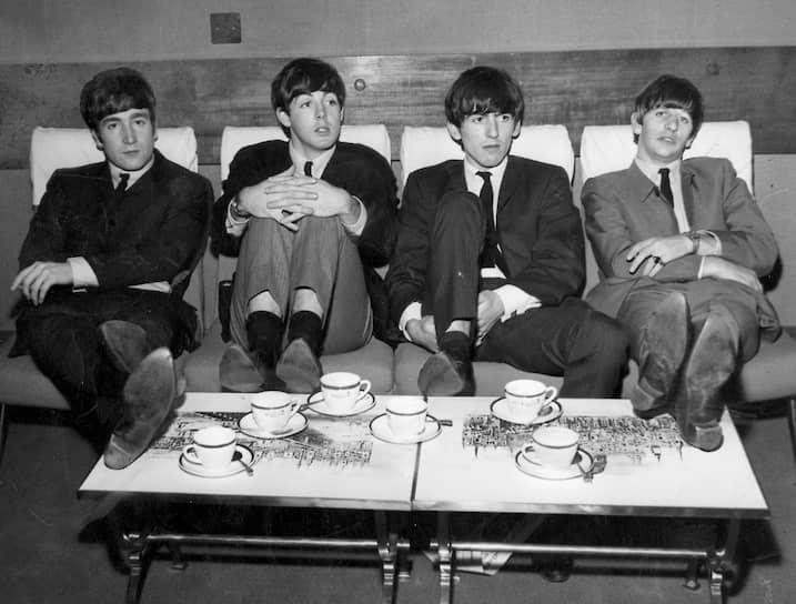 Битломании посвящены некоторые картины из фильмографии самих Beatles «A Hard Day's Night» и «Help!». По сюжету членам группы приходится спасаться от преследующих их фанатов