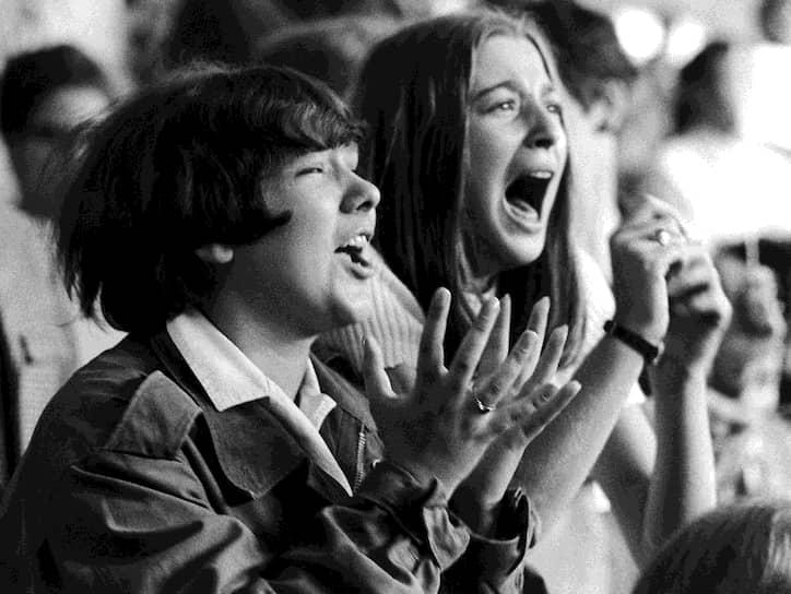 В июне 1964 года британцы выступили также в Гамбурге, покорив немецкие хит-парады и поклонниц по всей Германии