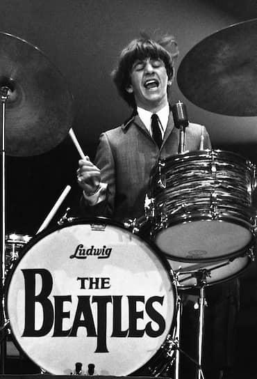 По многочисленным признаниям поклонниц группы, барабанщик The Beatles Ринго Старр (на фото) был для них самым привлекательным из всей четверки