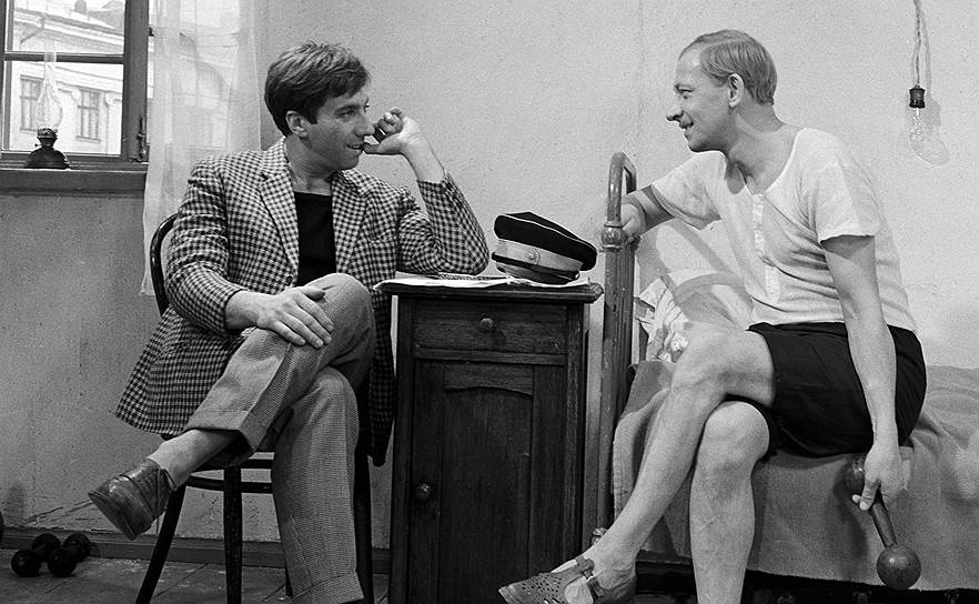 Всесоюзную известность Сергею Юрскому принесла роль Остапа Бендера в фильме «Золотой теленок» (1968). Затем последовали картины «Интервенция» (1968), «Король-олень» (1969), «Сломанная подкова» (1973), «Расмус-бродяга» (1978) и другие
