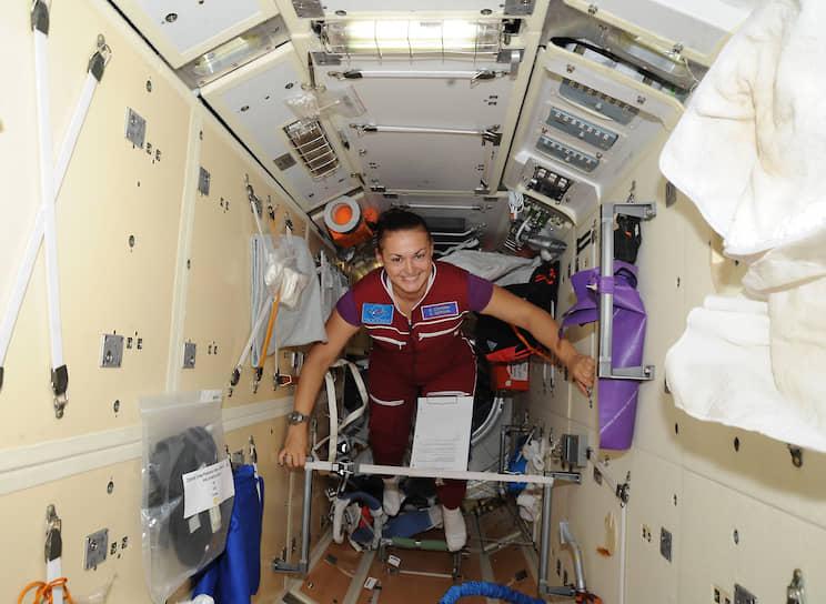 Первой россиянкой на МКС стала Елена Серова, которая в 2014 году вошла в экипаж станции в качестве бортинженера