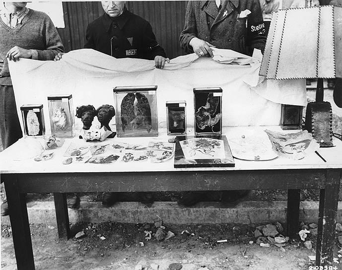Ильза Кох приказывала убивать заключенных с татуировками, чтобы затем делать из их кожи  оригинальные абажуры, перчатки, обложки для книг