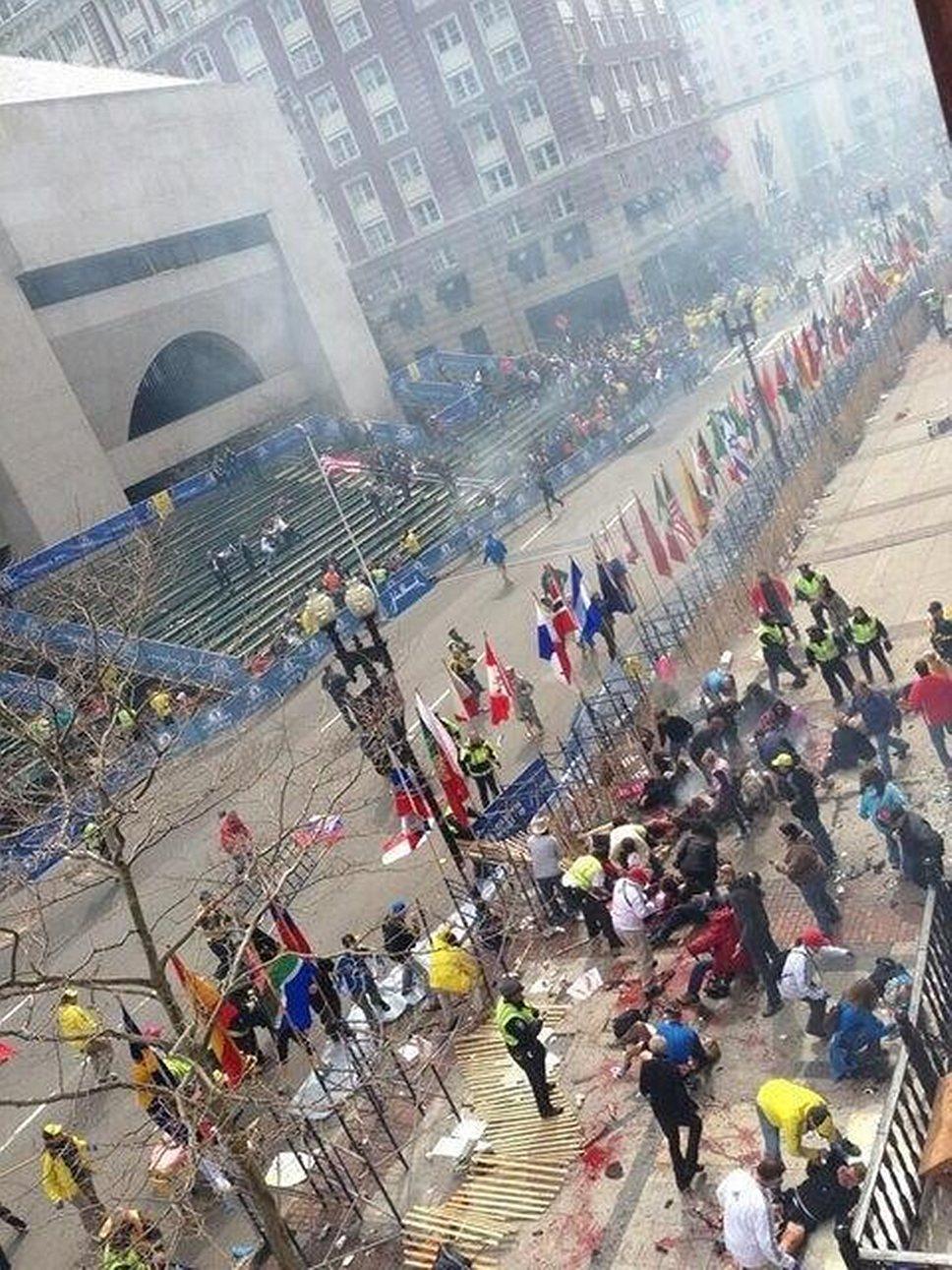 Взрывы в Бостоне. ФОТО